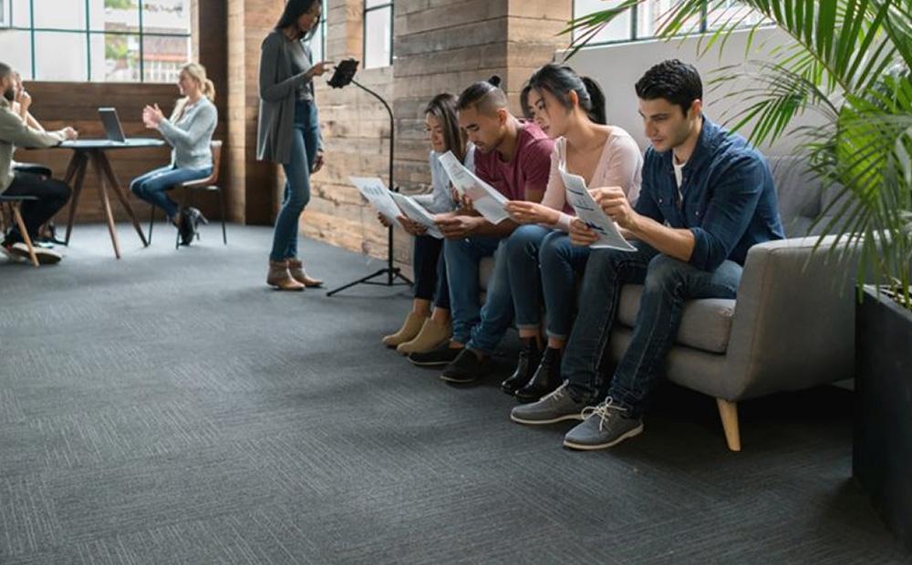 چگونه کارجویان را به مصاحبه شغلی دعوت کنیم؟