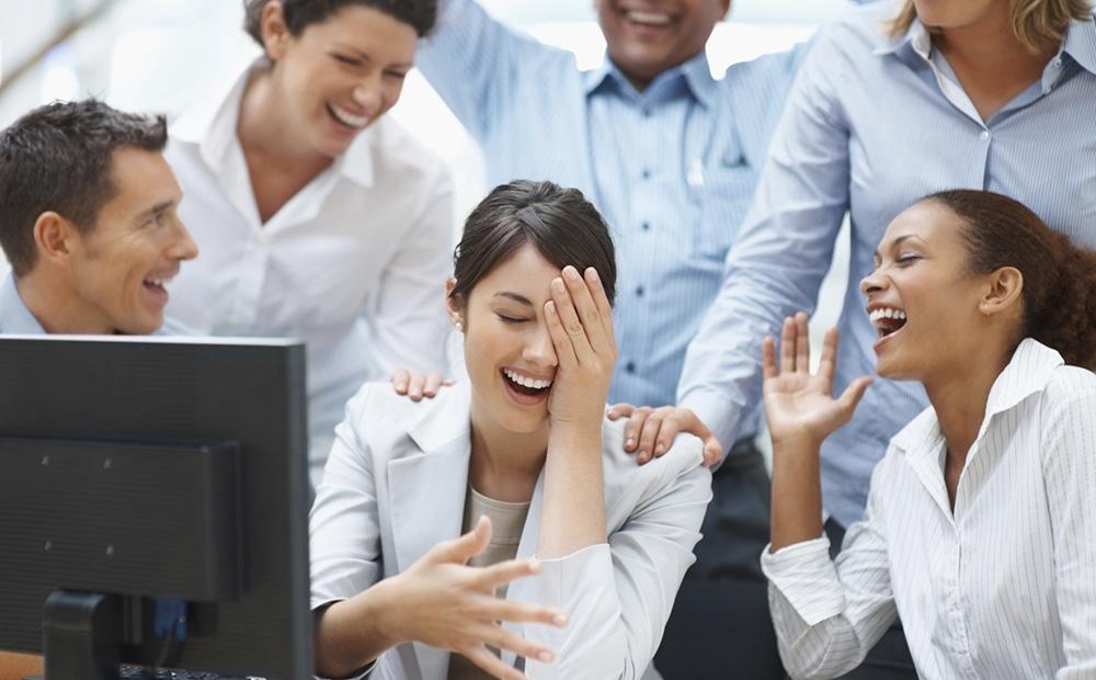 فواید خندیدن در محیط کار