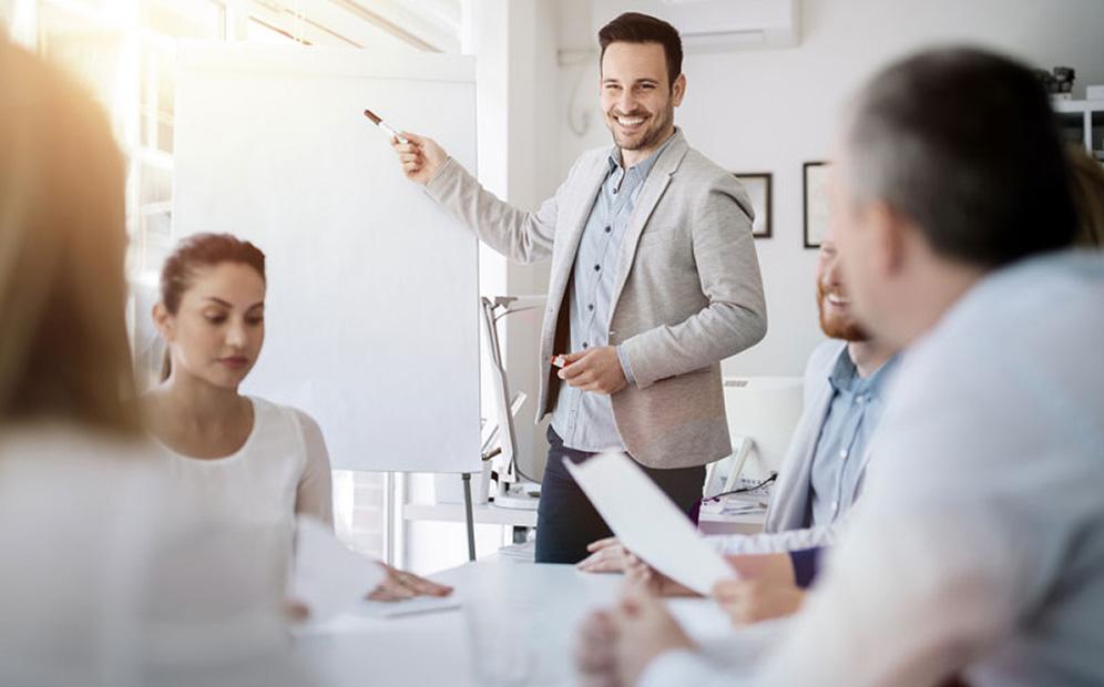 چگونه کارمندان خود را به بهترین شکل آموزش دهیم؟