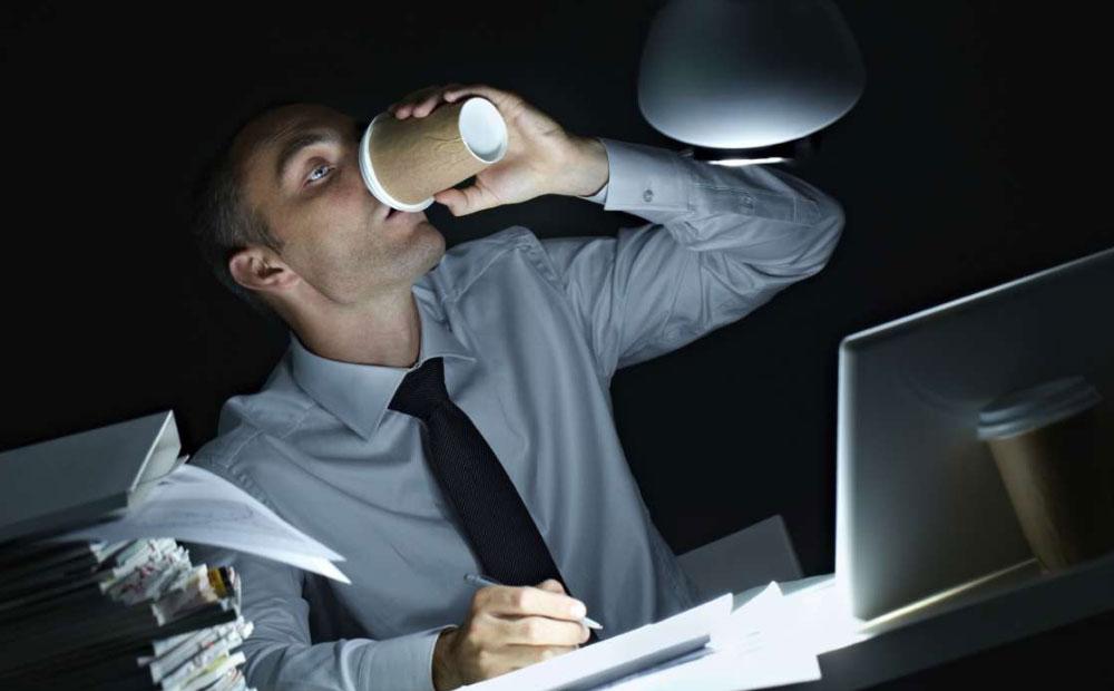 اعتیاد به کار چیست و چه خطراتی به دنبال دارد؟