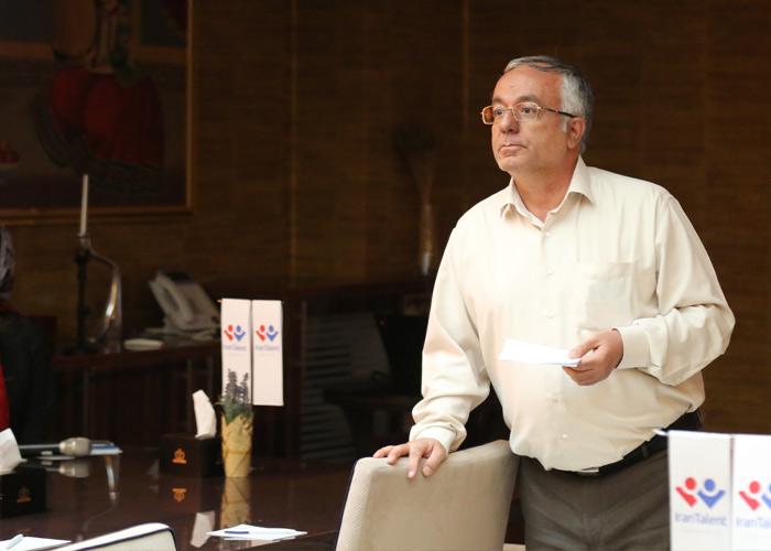 دکتر بهزاد ابوالعلایی در کارگاه توسعه منابع انسانی برای شرکتهای کوچک و متوسط
