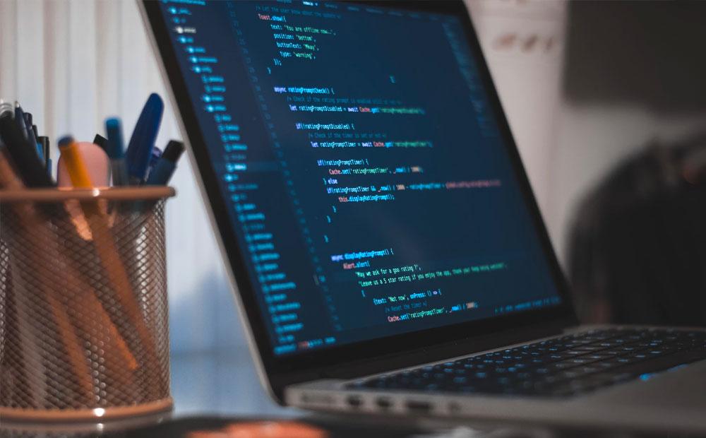 چگونه برنامه نویس شویم؟ (راهنمای مسیر شغلی)