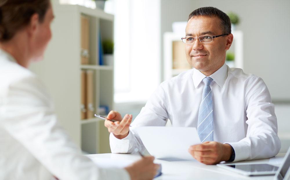 چگونه فاصله بین سوابق کاری را در مصاحبه (یا رزومه) توضیح دهیم؟