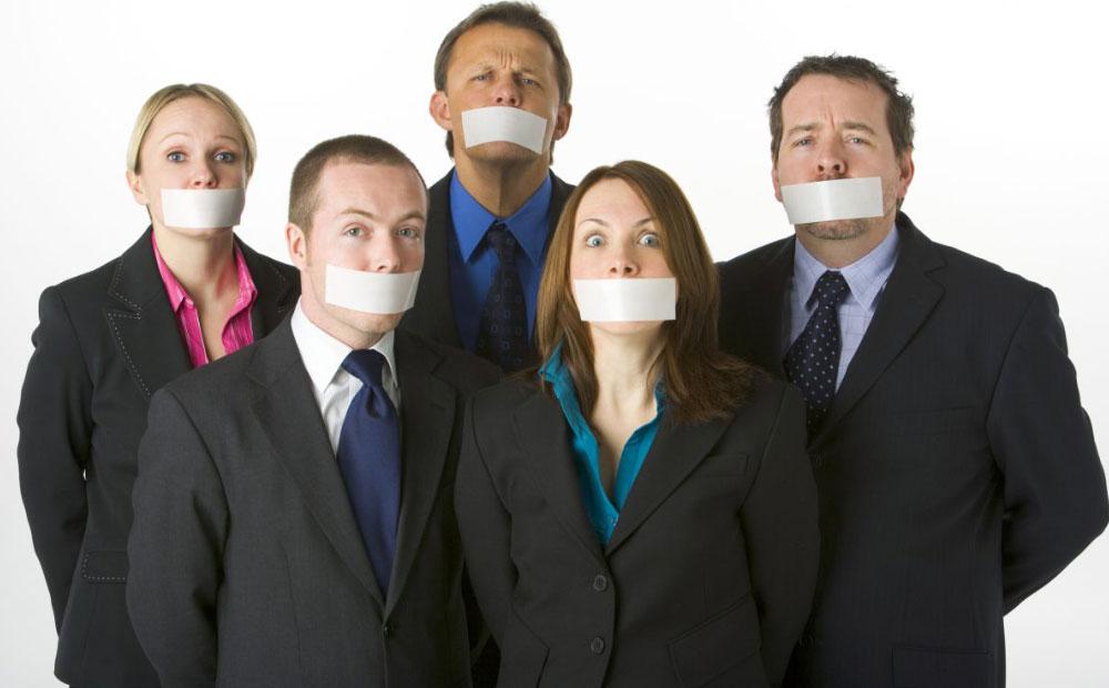 سکوت سازمانی چیست و چه پیامدها و خطراتی را به دنبال دارد؟