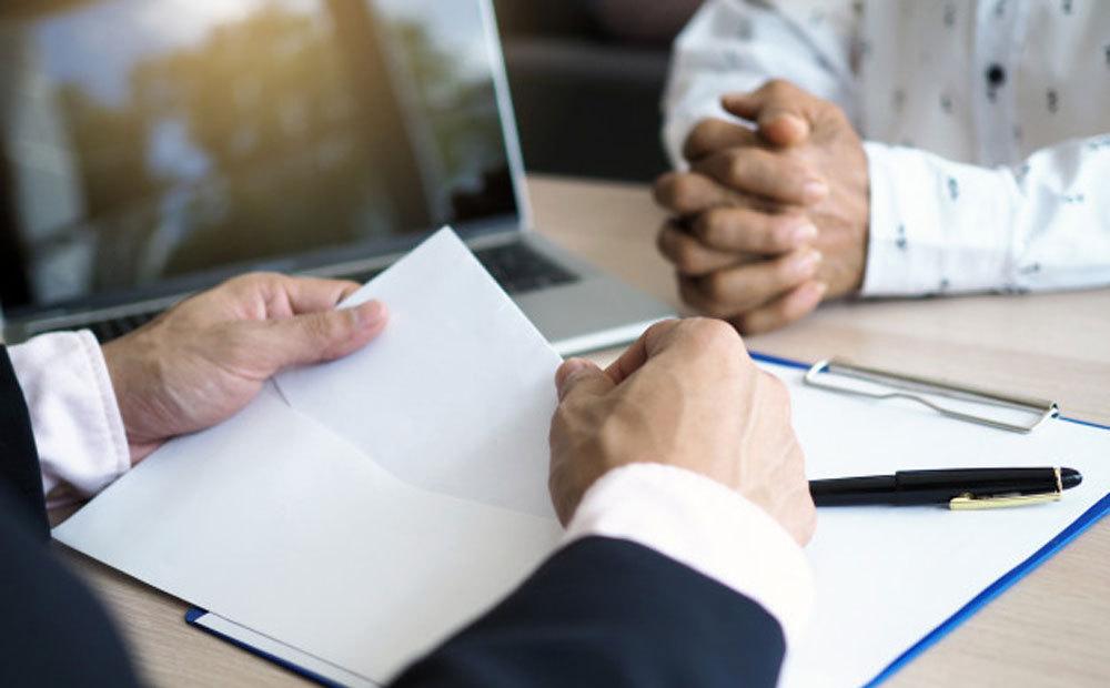 چگونه نامه استعفا بنویسیم؟ + نمونه نامه