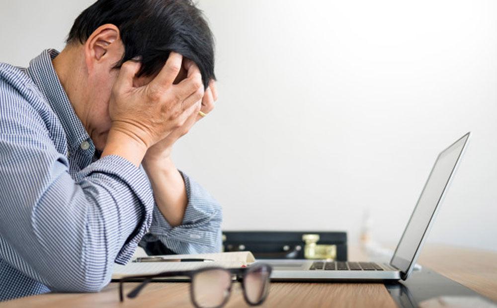 چگونه تاثیر تعدیل نیرو را بر سایر کارکنان کم کنیم؟