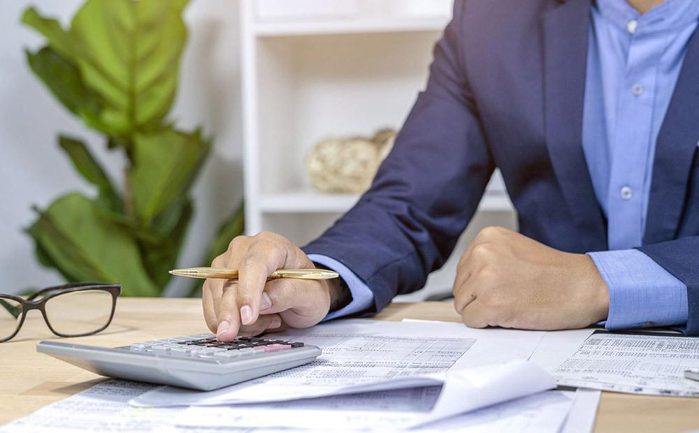 میانگین حقوق حسابدار در آمریکا چقدر است؟