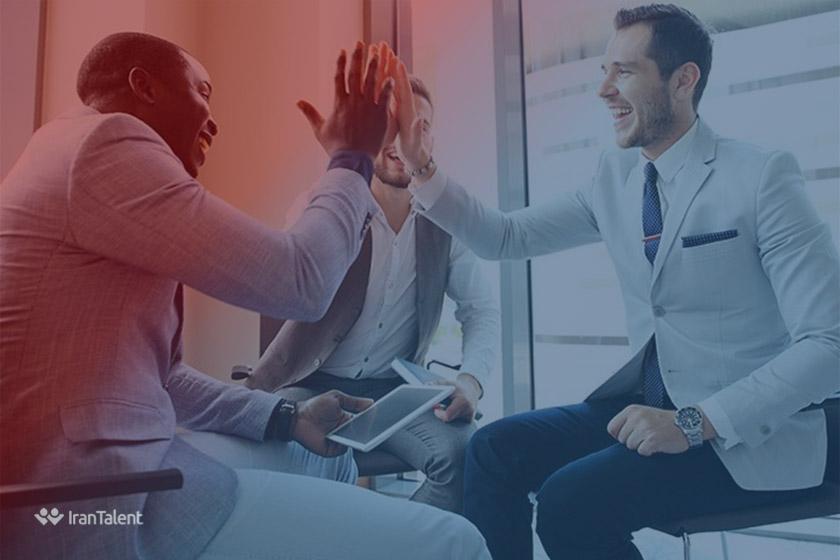 ۸ روش برای افزایش اعتماد به نفس چند دقیقه قبل از مصاحبه